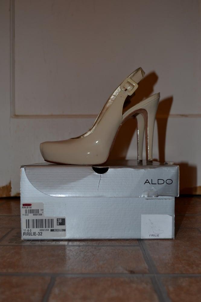 Image of Nude Aldo Pumps