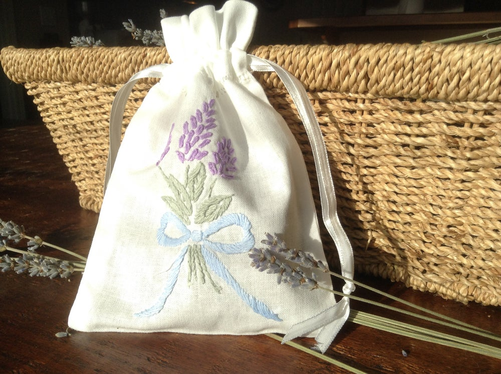 Image of Embroidered Sachet with Lavender Buds