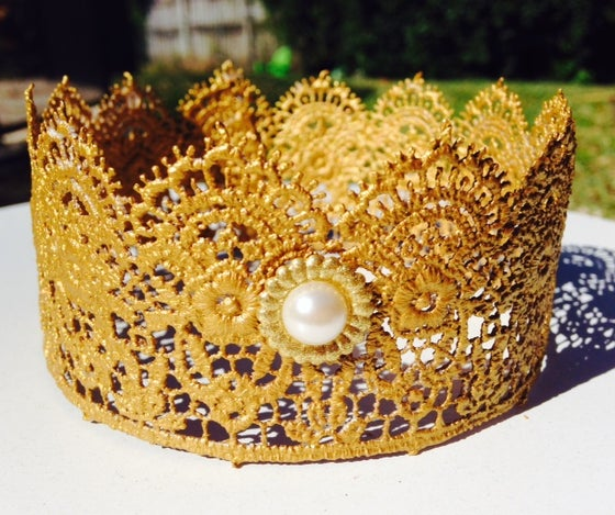 Image of Regal Lace Crown