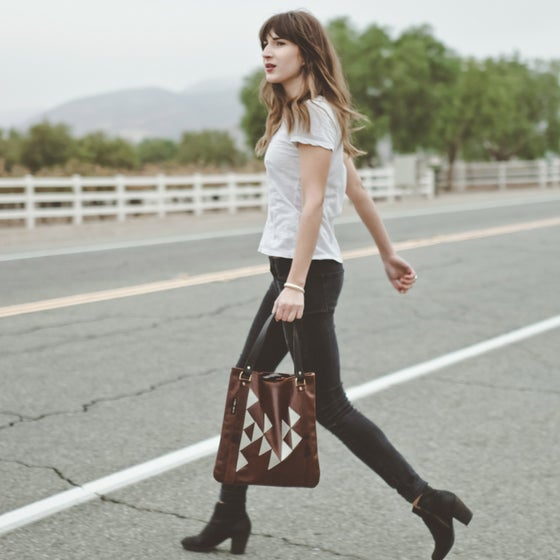 "Image of ""TRIANGLES"" LEATHER TOTE"