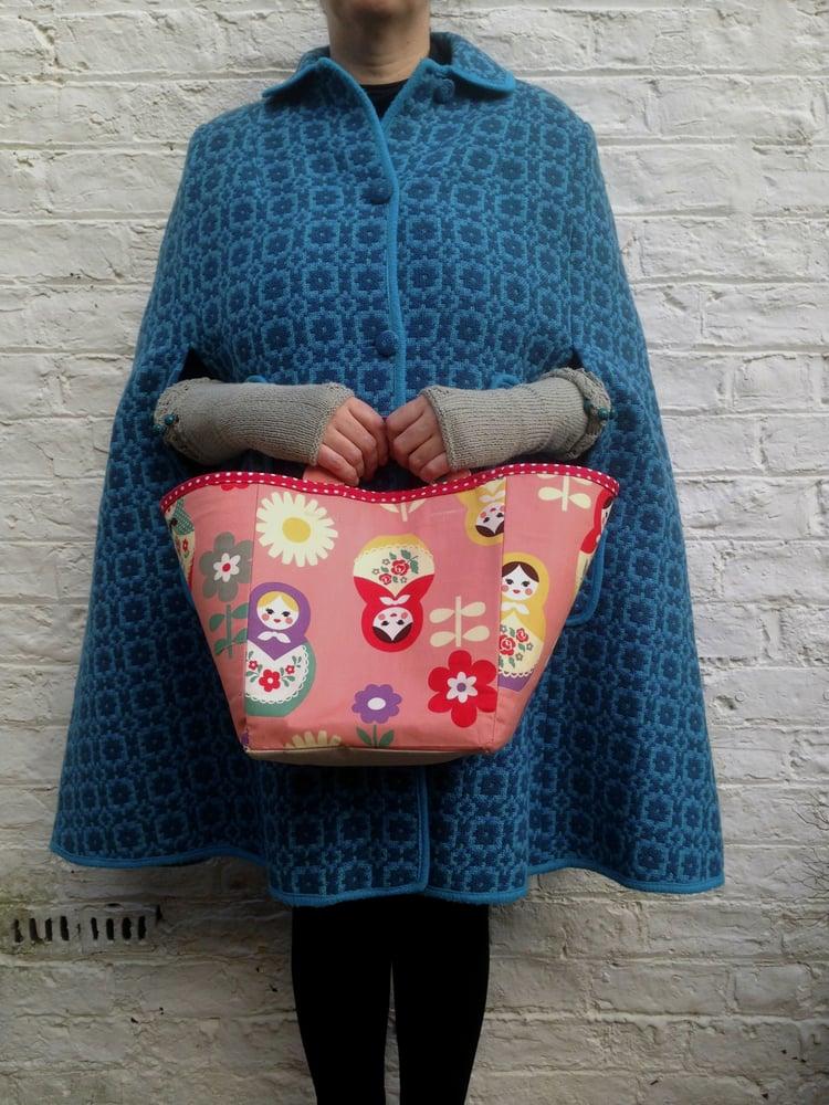 Image of 'Dolls' Boxbag