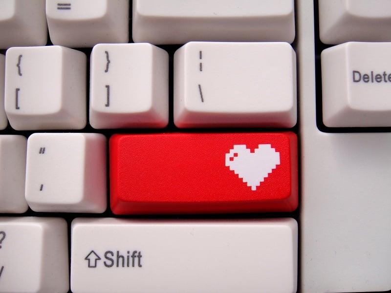 Image of 8-bit Heart Enter Keycap