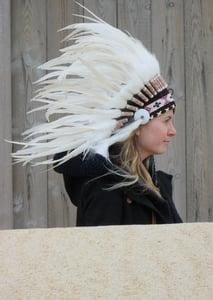 image de Coiffe indienne blanche et marron (sur commande)