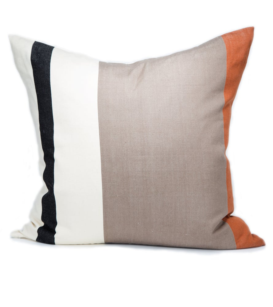 Image of OTTI PILLOW black | white | cognac
