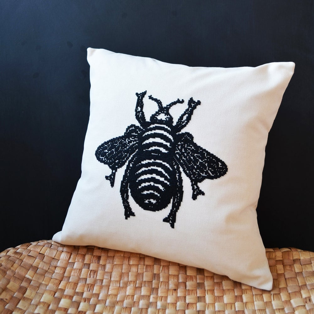 Image of The Bee Cushion PDF Pattern