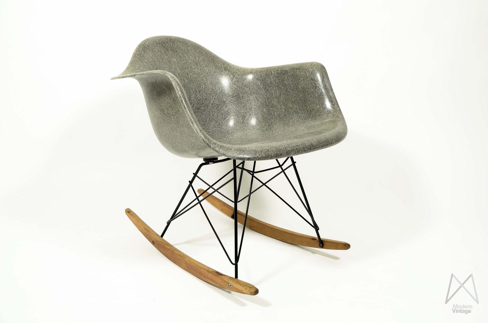 Kuipstoel eames best vitra eames daw stoel with kuipstoel for Eames kuipstoel