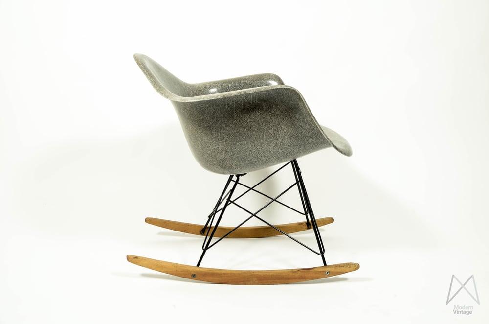 Eames Rar Stoel : Modern vintage amsterdam original eames furniture u2014 eames herman