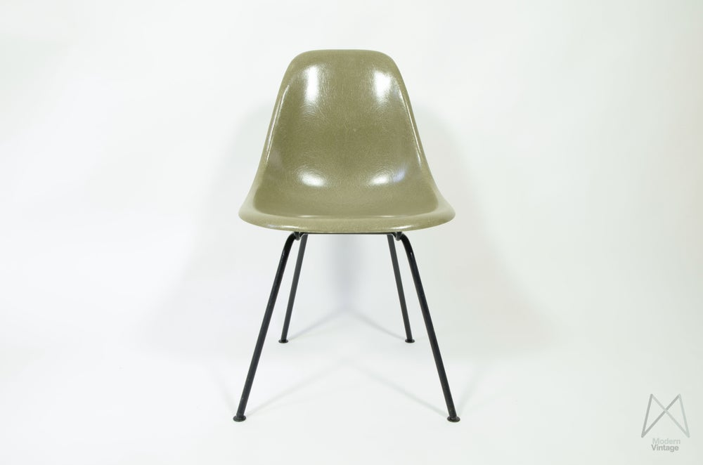 Image of Eames HM Raw Umber H-base DSX Fiberglass Chair