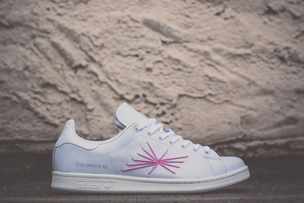 "Image of ADIDAS STAN SMITH CONSORTIUM X Shigeki Fujishiro ""PLAY"" M22699"