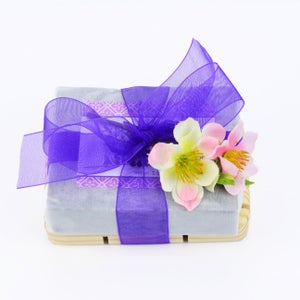 Image of Soap & Soap Saver Gift