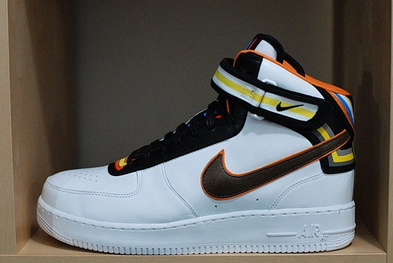 bb544a23885376 Image of NIKE AIR FORCE 1 X RICCARDO TISCI - MID