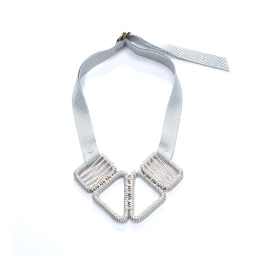 Image of short woven necklace #943, color 1S (limestone/silver)