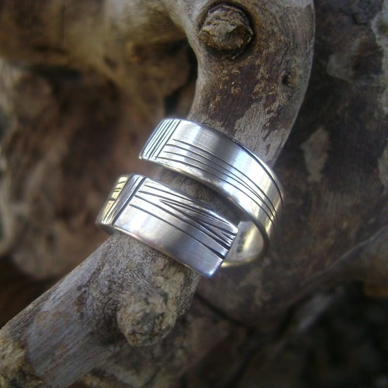 Image of Mitra (ring)