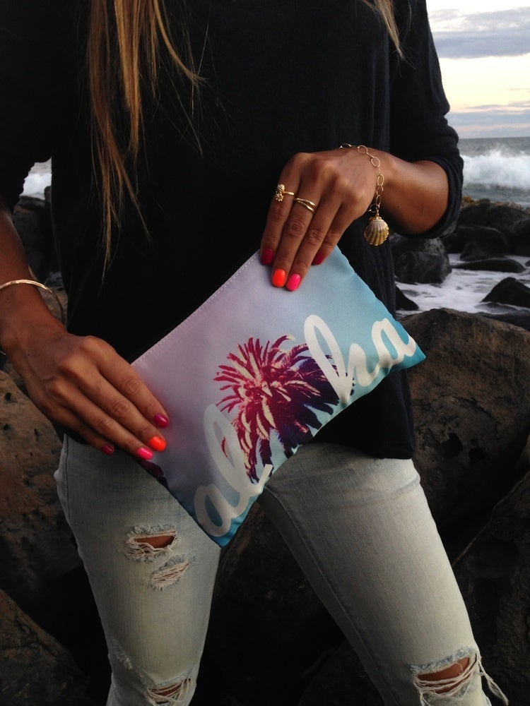 Image of ALOHA CLUTCH