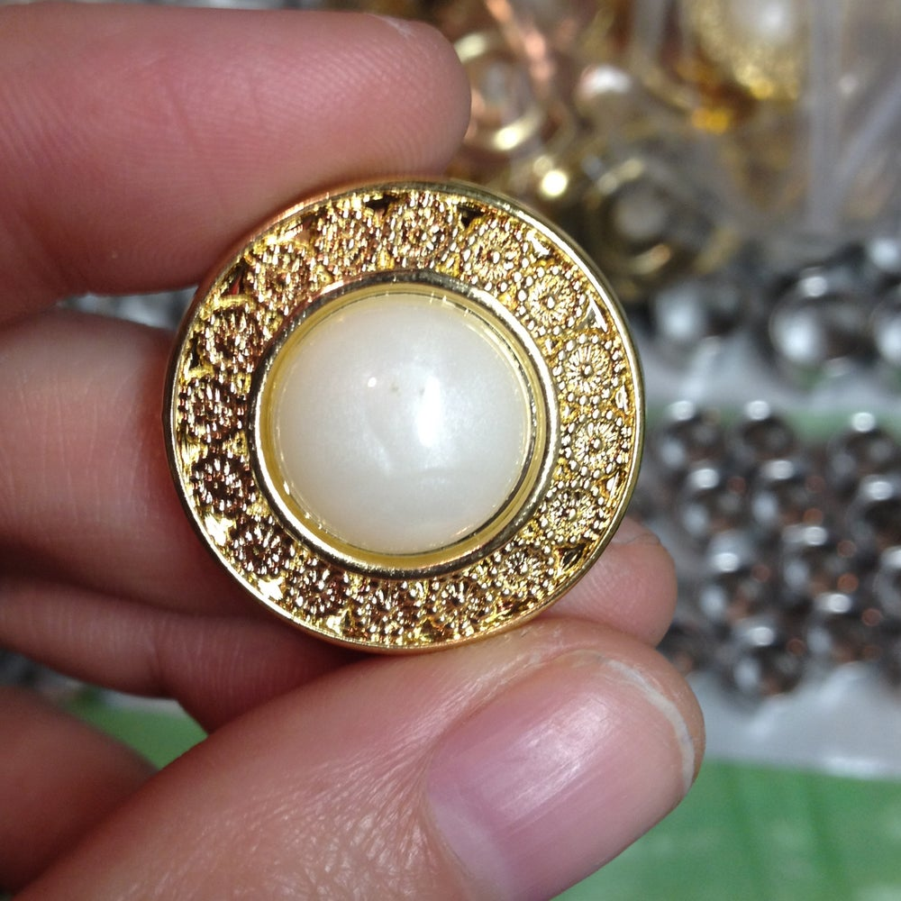 Image of Ornate Gold Pearl Plugs (sizes 2g-7/8)