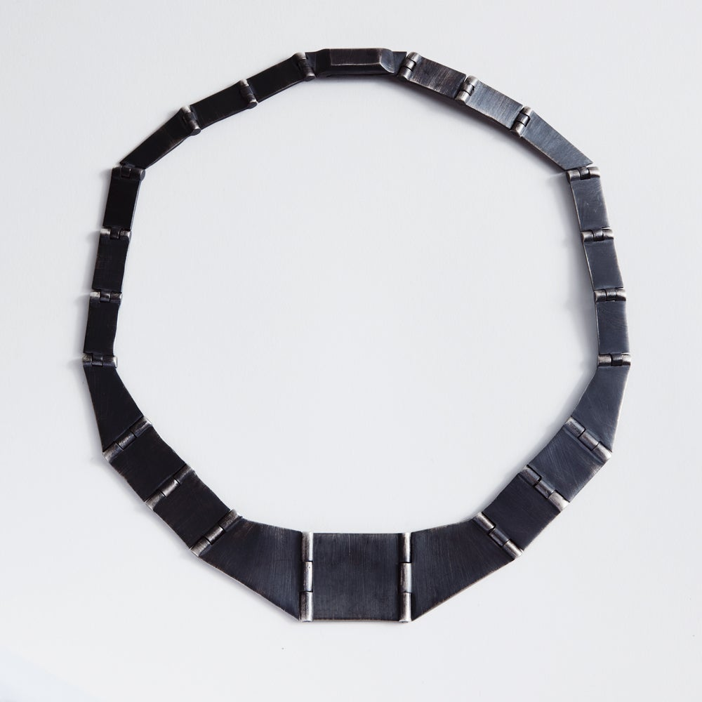 Image of PLATELET NECKLACE BLACK