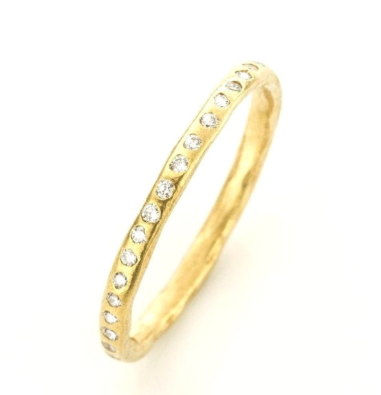 Beeld van Geel gouden ring met briljanten