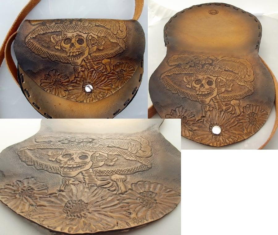 Image of Custom Hand Tooled Saddle Style Purse