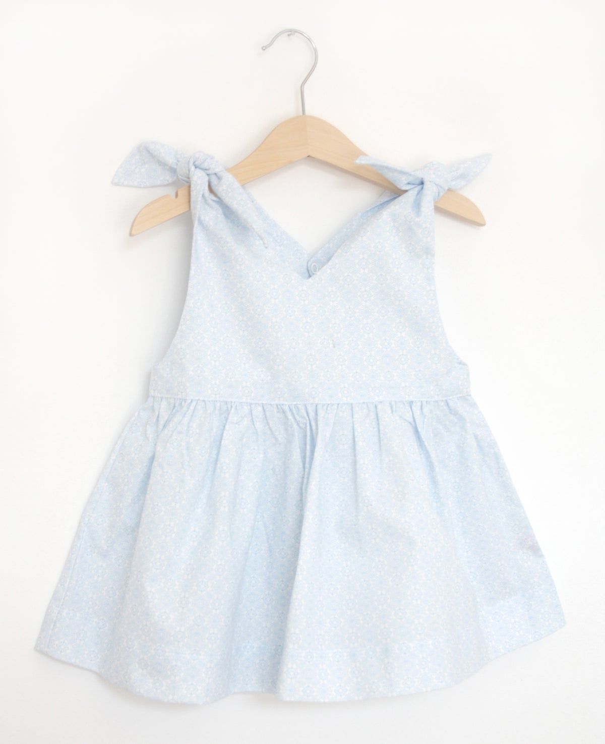 Rabbit Top-blue pattern