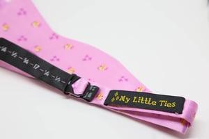 Flutterbow-tie