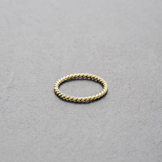 Image of Mount Lavinia Twisted Ring Gold