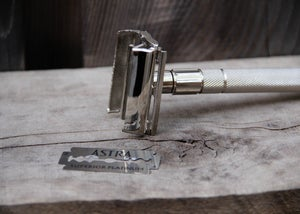 Image of Personalized Double Edge Safety Razor Set with Shaving Brush, Blades, & Soap