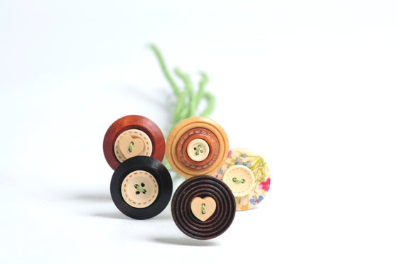 Image of Wooden Button Stems (6)
