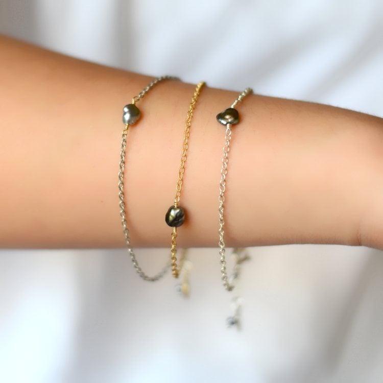 Image of Tahitian Keshi pearl bracelet