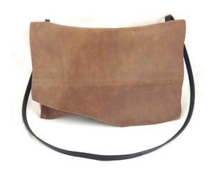Image of lola (rustic brown)