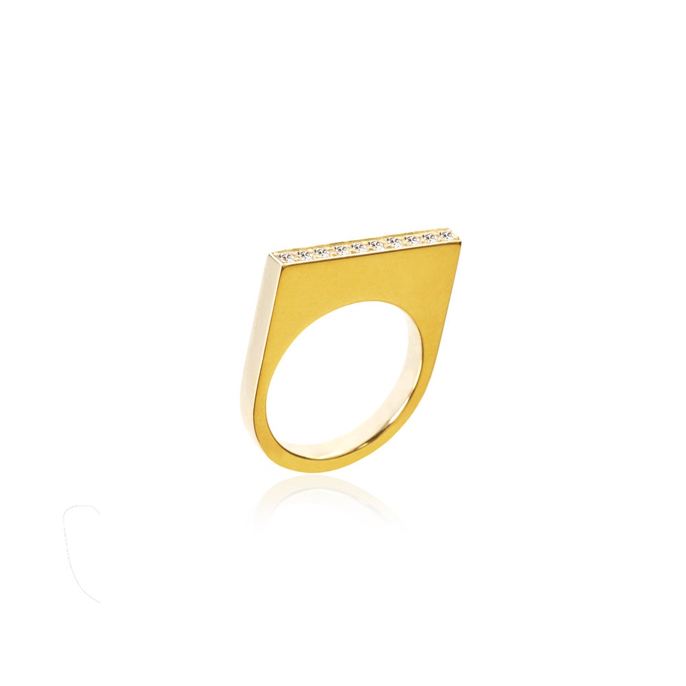 Image of High ring in 18 carat gold w brilliants