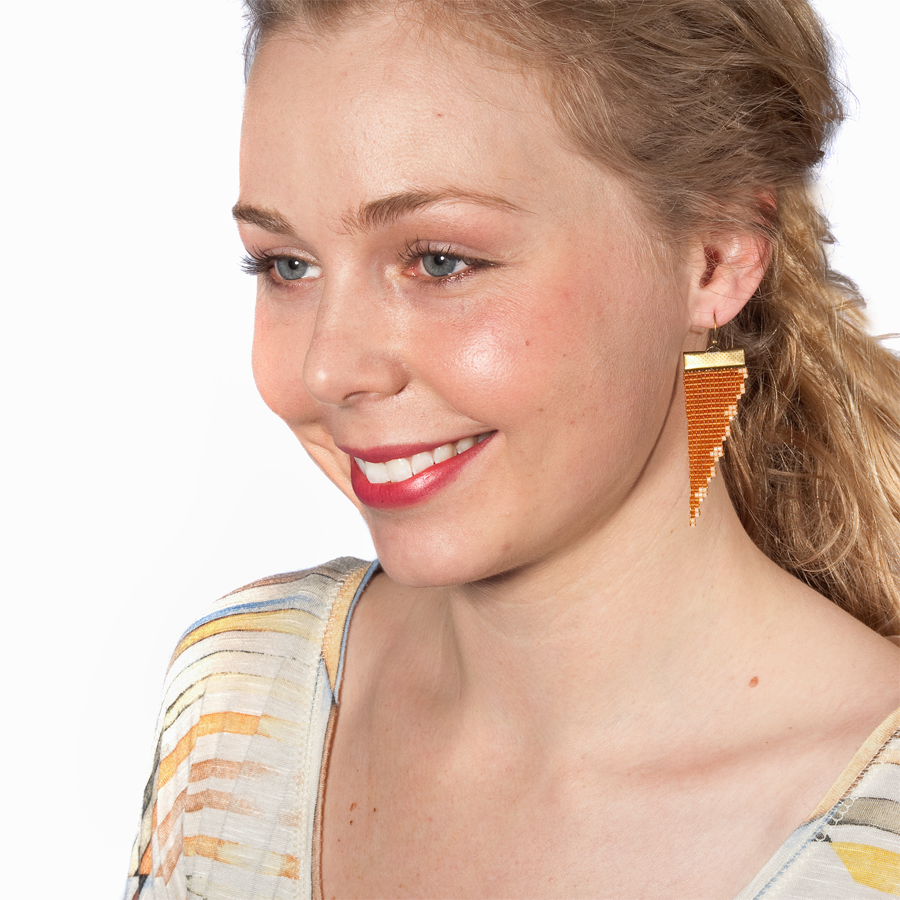 Image of Goldie // Loom-beaded Earrings