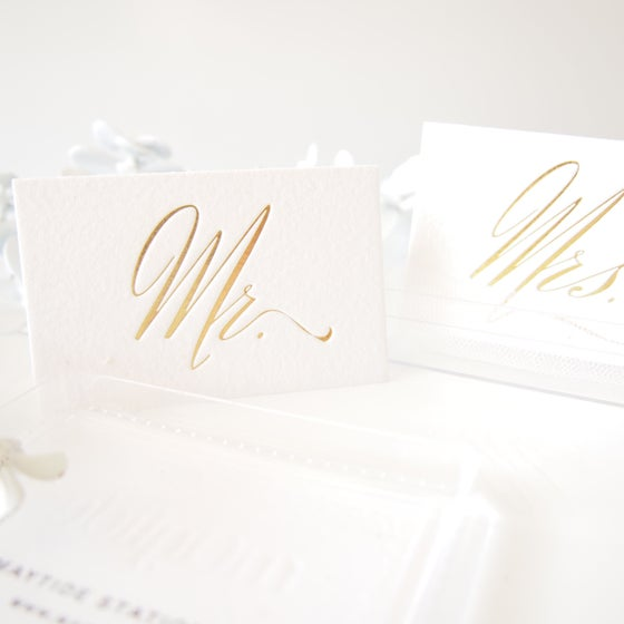 Image of Mr + Mrs Place Card Set - Gold