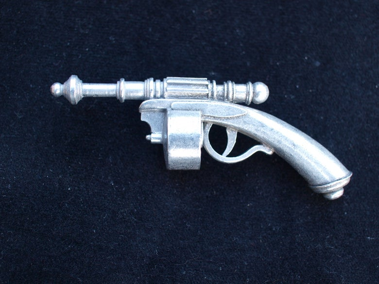 """Image of The """"PIRATE of the AIRWAYS"""" Miniature Raygun Collection No. 5"""