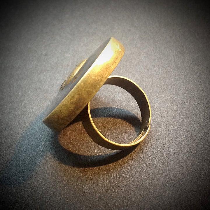 Ruby Rocks Skullie Bronze Ring