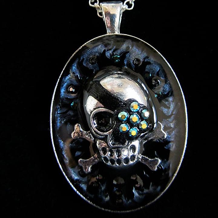 Midnight Rocks Skullie Silver Pendant