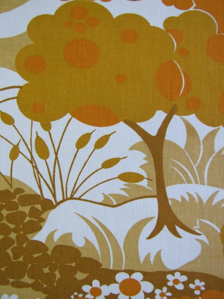 Image of 70s Orange Trees fabric - Fat Quarter
