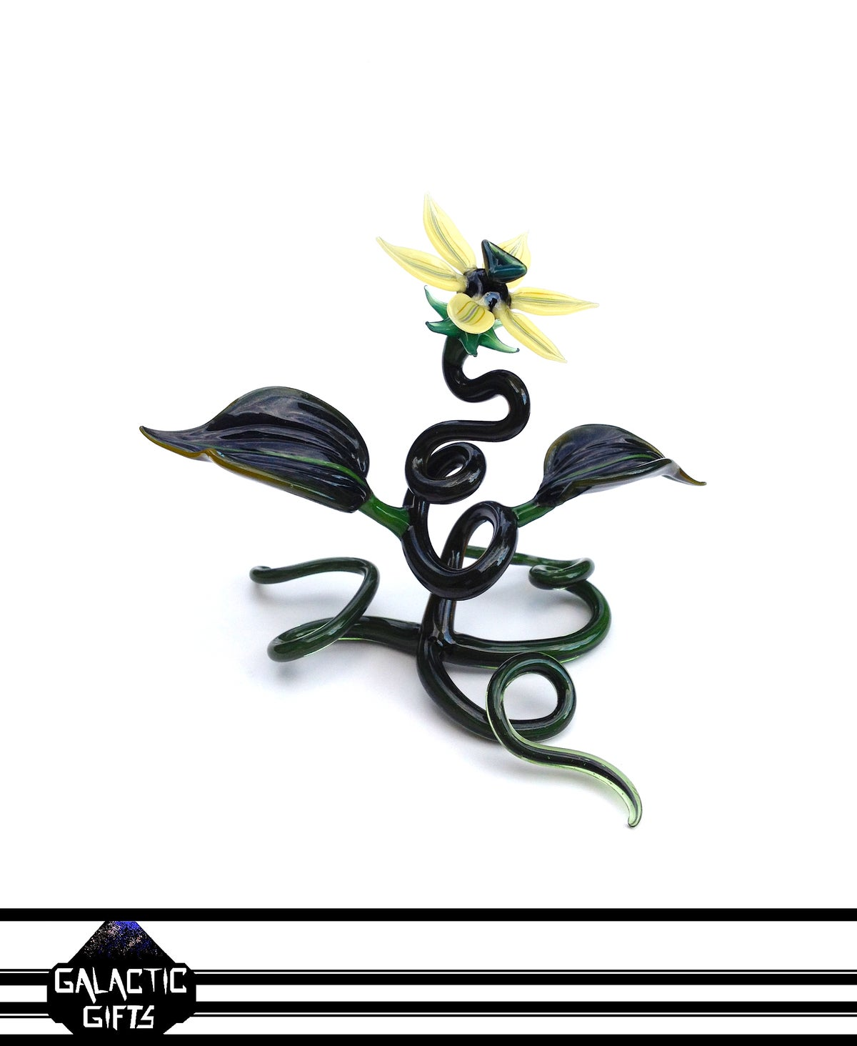 Image of Jupiter Nielsen Butter Lily Flower Specimen Sculpture