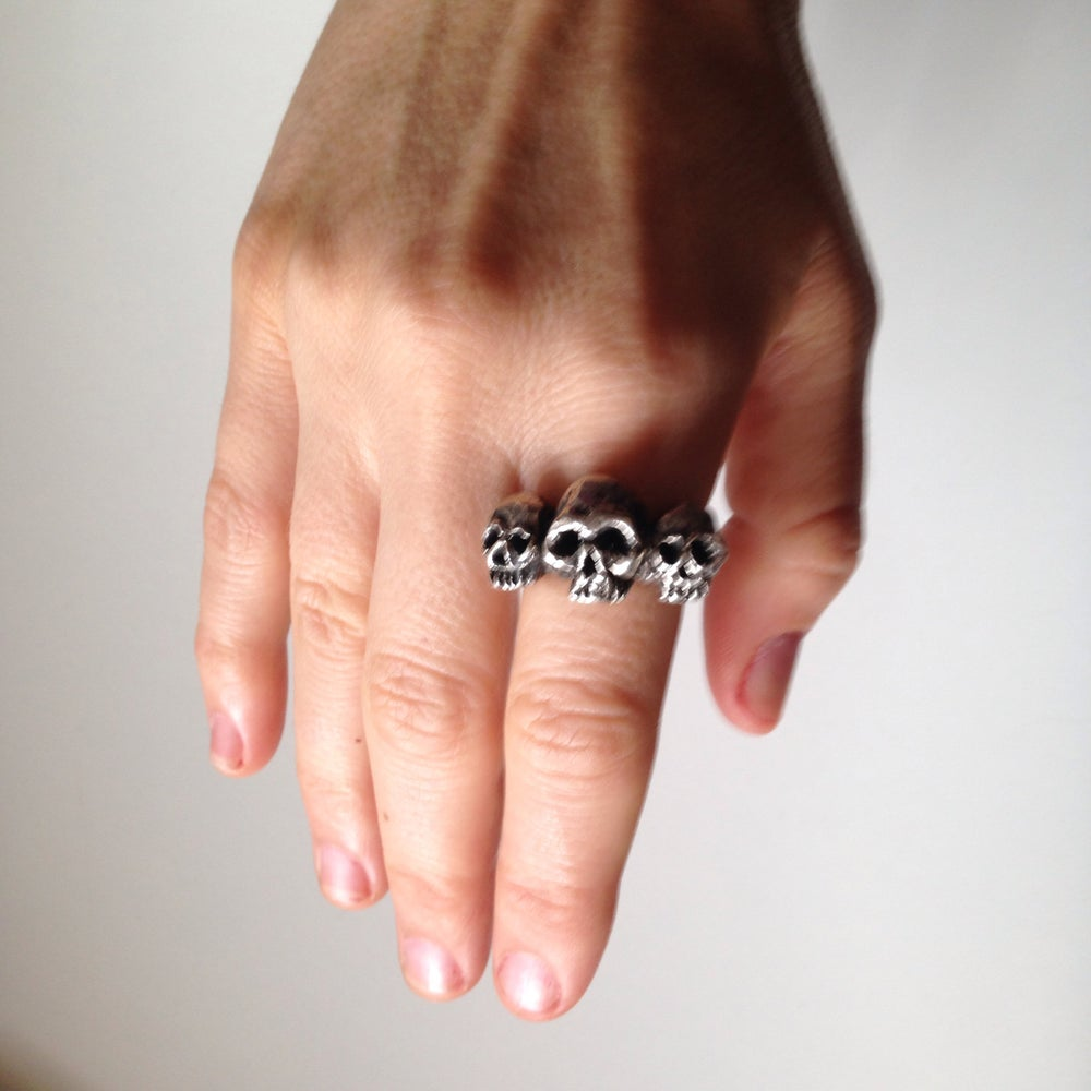 Image of The Trident Skulls Ring