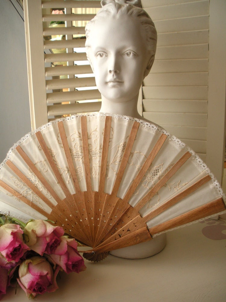 Image of Lace Fan