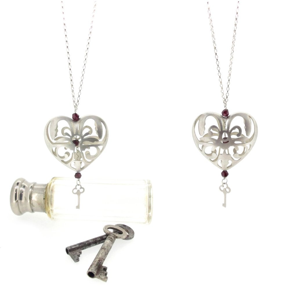 Sian Bostwick Jewellery Peeping Keyhole Heart Necklace - 16 YCp8gPv1mf