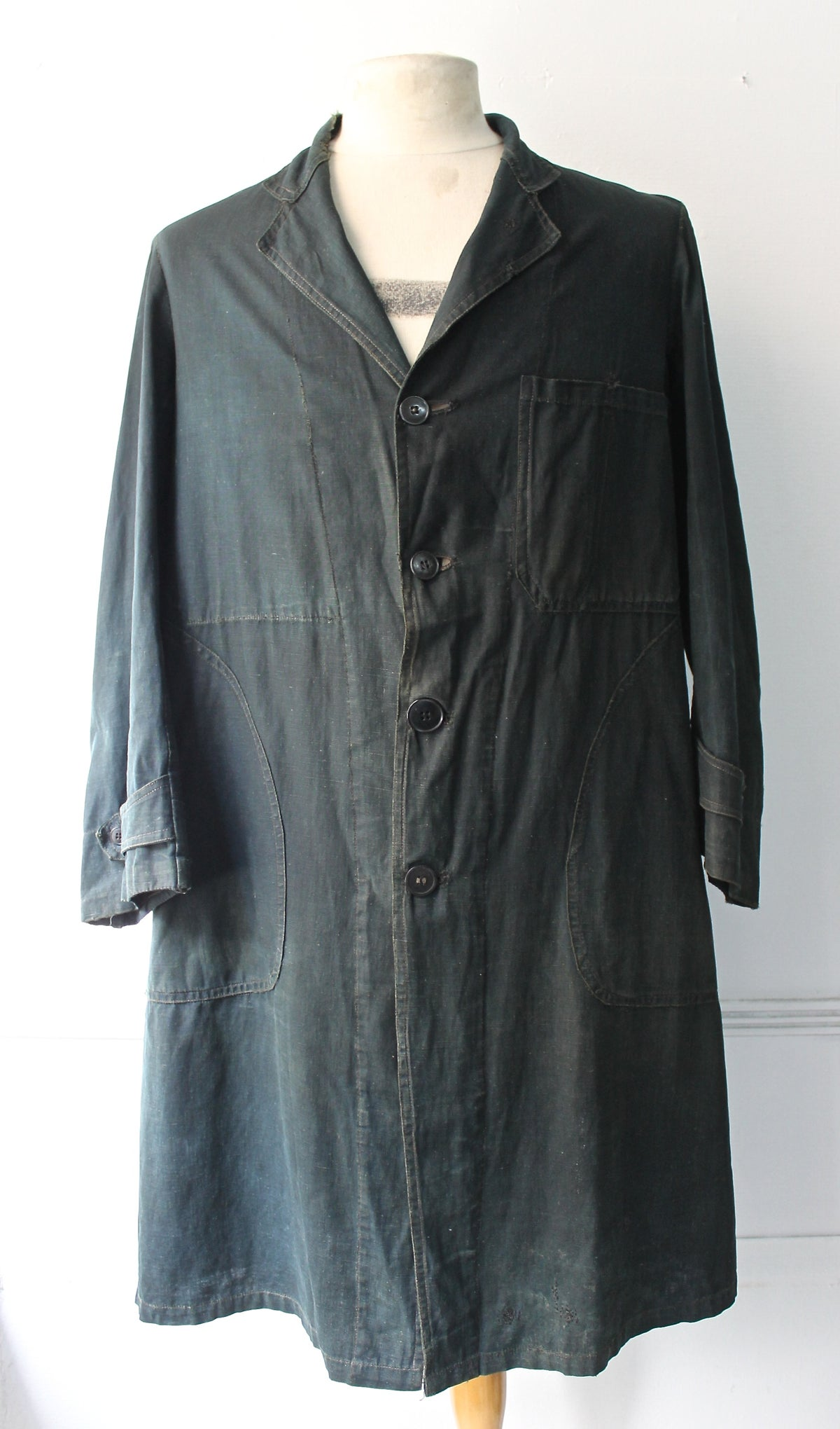 Image of 1910's FRENCH INDIGO LINEN MAQUIGNON COAT