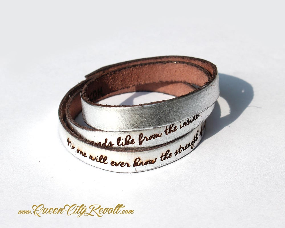 Image of Metallic Silver Leather Custom Engraving Wrap Bracelet, Script Text