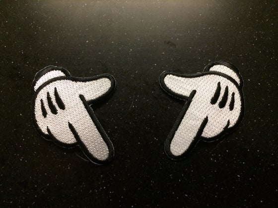 Image of WHITE GLOVE PATCH SET