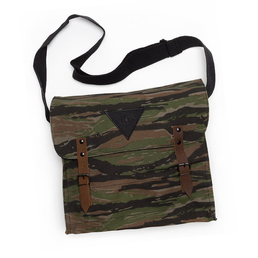 Image of X1 MESSENGER BAG [ tiger camo ]