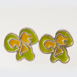 Image of Resinate Flor Studs Earrings- Green,Yellow