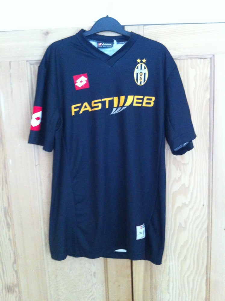 7918760d133 2001-2002 Juventus Away Shirt Large Nedved 11   Vintage Football