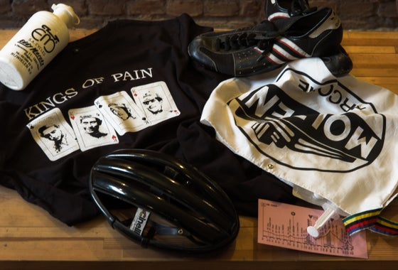 Image of Kings of pain T-shirt - End of summer sale 20% off! Discount code: sale20