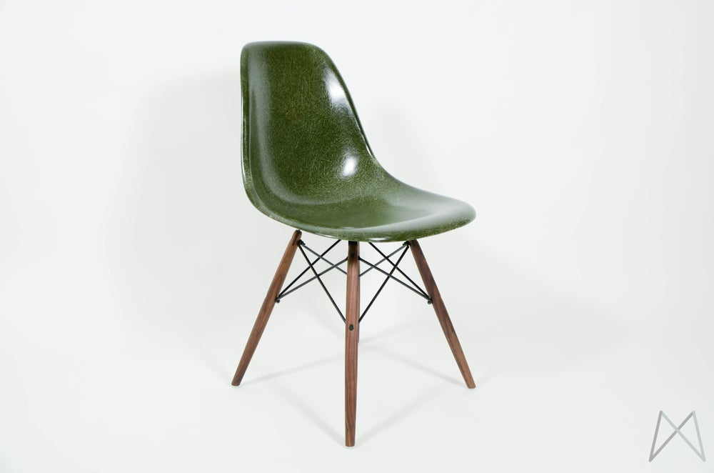 Conception innovante 0fb8b f4bc1 Eames Herman Miller Forest Green Chair DSW DSR DSX