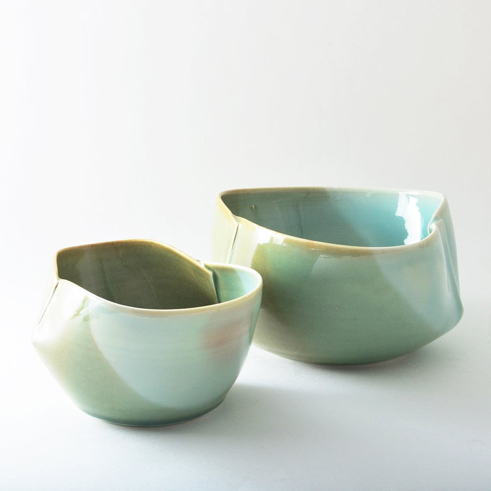 Image of large porcelain dart bowl - jade