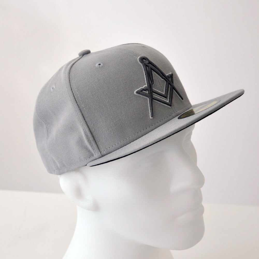 Image of New Era 5950 Fitted Cap - Grey